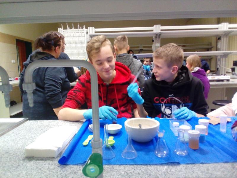 Noc biologów na Uniwersytecie Łódzkim z udziałem uczniów naszej szkoły